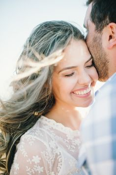 Love Story - Story Level 4 - Learn English By Listening Wedding Pics, Wedding Shoot, Wedding Couples, Boho Wedding, Couple Posing, Couple Shoot, Summer Wedding Destinations, Save The Date Pictures, Wedding Ideias