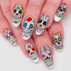 Día de los Muertos Sugar Skull Nails