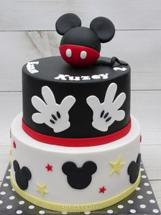 Mickey mouse cake MIckey mouse taart Pastel Mickey Mouse Niño, Bolo Do Mickey Mouse, Mickey Mouse Birthday Theme, Theme Mickey, Mickey And Minnie Cake, Fiesta Mickey Mouse, Mickey Cakes, Mickey Mouse Parties, Minnie Mouse Cake