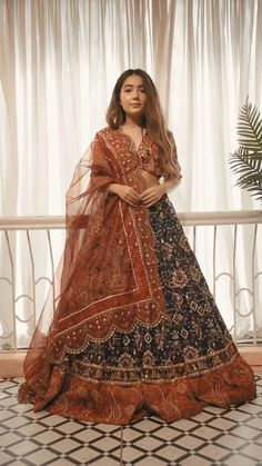 Indian Fashion Dresses, Dress Indian Style, Indian Designer Outfits, Wedding Lehenga Designs, Designer Bridal Lehenga, Lengha Blouse Designs, Shadi Dresses, Bollywood Outfits, Wedding Dress Organza