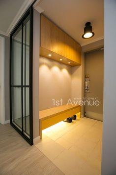 고급스러운 맞춤가구들로 꾸며진 특별함이 가득한 사당동 40평대 아파트 인테리어 구경하기 - 40-50평대 시공사진 - 퍼스트애비뉴인테리어 Front Door Entrance, Entrance Decor, Entrance Design, House Entrance, Entryway Decor, Vestibule, Hallway Designs, Front Door Design, Glass Cabinet Doors
