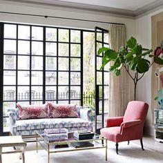 Γγρ│ Mélange de style et de couleurs pour ce salon éclectique contemporain.