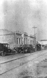 Década de 1920 - Rua dos Trilhos em dia de Grande Prêmio no Jóquei Clube da Mooca. Fonte: Arquivo Portal da Mooca.