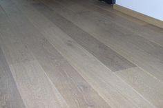 Google Afbeeldingen resultaat voor http://www.silo6-houtenvloeren.nl/images/vloeren/Aquamarijn/Aquamarijn_kleurolie_10_alaska_white_gerookt_eiken.jpg