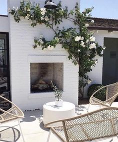 The Dreamiest Back Porches Online The Dreamiest Back Porches Online. Modern Farmhouse Backyard Black and White Patio Outdoor Fireplace DESIGN: Kelly Nutt Design The post The Dreamiest Back Porches Online appeared first on Outdoor Diy. Outdoor Decor, Outdoor Space, Outdoor Living, House Exterior, Fireplace Design, Exterior Design, Outdoor Fireplace, Outdoor Design, Exterior
