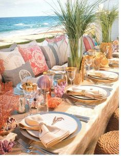 Coastal tablescape - great look for a large deck party!