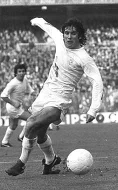 First Football, Football Love, Retro Football, Football Players, Rugby, Black And White, Alonso, Life, Sport