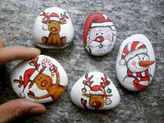 100 creative ideas for painting stones in the Christmas spirit! - 100 creative ideas for painting stones in the Christmas spirit! paint stones c - Rock Painting Patterns, Rock Painting Designs, Christmas Rock, Christmas Crafts, Natural Christmas, Xmas, Beautiful Christmas, Art Pierre, Silver Christmas Decorations