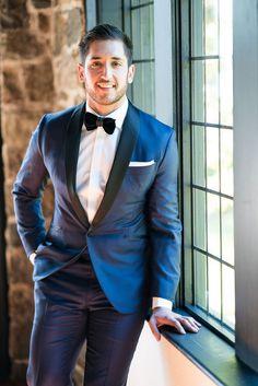 Wedding Photography Checklist, Wedding Photography Poses, Wedding Photography Inspiration, Wedding Poses, Wedding Men, Wedding Suits, Digital Photography, Window Photography, Wedding Tuxedos