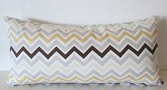 Couverture d'oreiller lombaire décoratifs de chevron beige - miel gris et brun jeter coussins/couverture par vintagechicdecor sur Etsy https://www.etsy.com/fr/listing/197057429/couverture-doreiller-lombaire-decoratifs