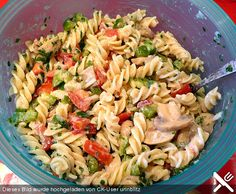 WW – Leichter Nudelsalat mit Paprika und Champignons, ein beliebtes Rezept aus d… WW – Light pasta salad with peppers and mushrooms, a popular recipe from the vegetables category. Light Pasta Salads, Pasta Ligera, Mushroom Recipes, Vegetable Recipes, Vegetarian Recipes, Healthy Recipes, Pasta Salad Recipes, Healthy Eating Tips, Salmon Recipes