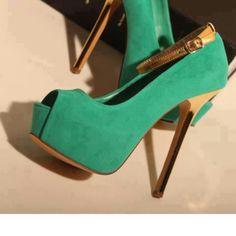 Green&gold heels.