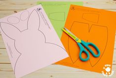 Make cute Carrot Nibbling Easter Bunny Cards easily with the printable template. This hungry bunny craft is adorable! Such a fun Easter craft for kids. Cute Easter Bunny, Hoppy Easter, Bunny Bunny, Bunny Crafts, Easter Crafts For Kids, Spring Crafts, Kids Cards, Paper Crafts, Free Printable