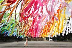 emmanuelle moureaux architecture + design - As a first outdoor installation, Emmanuelle has transformed the space in Shinjuku Central Park in Tokyo Bühnen Design, Oppa Design, Event Design, Plaza Design, Stage Design, Design Ideas, Interior Design Magazine, Magazine Design, Central Park