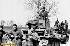 Pz 38.t és legénysége. Szamosvölgyi József hagyatékából. Defence Force, Ww2 Tanks, Wwii, Army, History, Military Photos, Hungary, World War One, Gi Joe