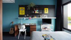 The Student Hotel Amsterdam: Design, conforto e bom preço! Como mencionamos em outros artigos aqui no site, encontrar um hotel bom, bonito & barato em Amsterdam pode ser uma tarefa complicada, pois as tarifas dos hotéis mais legais são geralmente altas. Por isso, sempre trazemos dica de hotel em Amsterdam para você, para te ajudar …