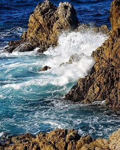 Point Lobos State Marine Reserve is located on the Northern End of Big Sur... just south of Carmel-by -the-Sea. It has Rugged Cliffs as opposed to the Golden sand beaches of Southern California . . #PointLobosStateReserve  #CarmelCalifornia #ruggedbeauty #crashingwaves #southshoretrail #pointlouisiana #ruggedcliffs #whitewater #whitewater #ruggedcliffs #bigsur #darkbluewater #waterbreakingoverrocks #navybluewater  #coastalcalifornia #bigsur #californialifestyle  #californiathebeautiful…