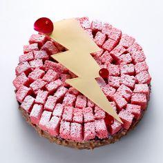 """Fantastik """"Koup de foudre"""" (Croustillant praliné noisette, mousse légère au Gianduja, compotée cassis - gingembre, Biscuit de Reims) / design pastry"""