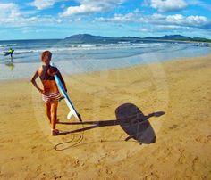 Clases de surf para Marieta en Tamarindo. Costa Rica.