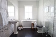 How to renovate a bathroom without losing its character