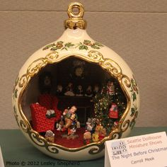 Night Before Christmas scene in a Christmas ornament exibited by Carroll Meek at the Spring 2012 Seattle Dollhouse Miniature Show  Photo © 2012 Lesley Shepherd