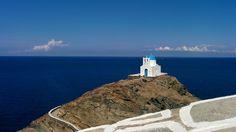 Hellenica Sifnos - Découvrez les iles grecques et organisez votre voyage Madonna, Water, Outdoor, West Coast, Archipelago, Travel, Gripe Water, Outdoors, Outdoor Living