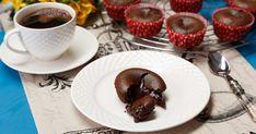 Incearca reteta pentru Lava cake din Bucataria Lidl! Desert delicios plin cu ciocolata, usor de preparat. Lidl, Lava Cakes, Sweets, Tableware, Recipes, Dinnerware, Gummi Candy, Candy, Tablewares