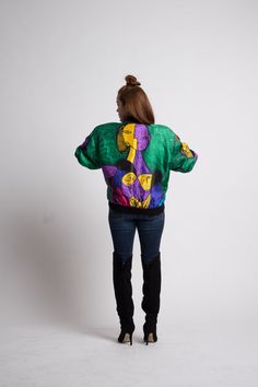 Add a little quirk with this vintage early 1990s colorful print satin bomber…