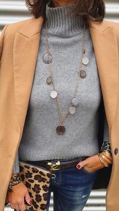 Trendy womens fashion for work casual winter necklaces 37 ideas - Casual Winter Outfits Over 50 Womens Fashion, Fashion Over 50, Look Fashion, Women's Work Fashion, Unique Fashion, Fashion Bloggers Over 40, Timeless Fashion, Mode Outfits, Fashion Outfits
