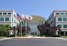 English: Apple's headquarters at Infinite Loop...