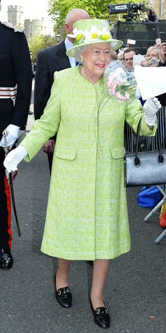 God Save The Queen, Hm The Queen, Royal Queen, Her Majesty The Queen, Green Queen, Queen Elizabeth Birthday, Queen Elizabeth Ii, Queen Hat, King Queen