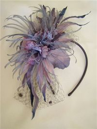 fascinator feathers.