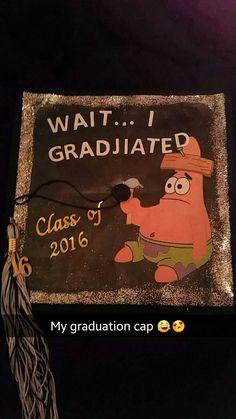 """ Top Easy Ideas "" My graduation cap - Ostern Loves Pins Funny Graduation Caps, Custom Graduation Caps, Graduation Cap Toppers, Graduation Cap Designs, Graduation Cap Decoration, Graduation Diy, Funny Grad Cap Ideas, Cap Decorations, Just In Case"