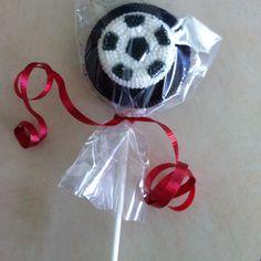 Soccer Oreo Pop, super easy