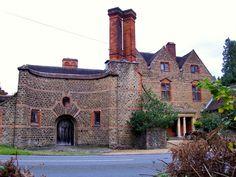 Tigbourne Court - a house by E. L. Lutyens - Photographer: Stefan Czapski    Google Image Result for http://s0.geograph.org.uk/geophotos/02/20/45/2204539_a6b3e71e.jpg