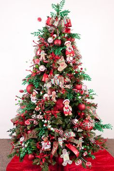 old-fashioned christmas tree theme | creatures natural elements