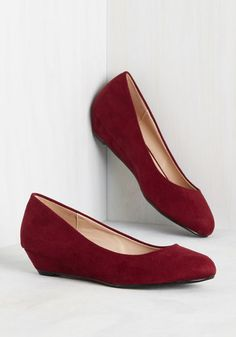 These sleek kitten heels are so darling, you won't be able to keep them hush-hush for long! From the moment you step onto the sidewalk in these vegan faux-suede wedges, their merlot red hue, rounded toes, and sociable style will have the whole city professing their praise.