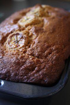 Tous à vos chaudrons: Les meilleurs muffins/pain aux bananes du monde ! Smitten Kitchen, Mochi, Muffins, Chips, Sunday Brunch, Banana Bread, Cake, Desserts, Food