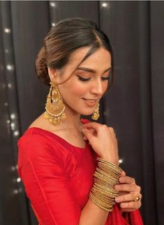 Indian Bridal Outfits, Pakistani Outfits, Khuda Aur Mohabbat, Mehndi Style, Iqra Aziz, Ethnic Outfits, Crazy Girls, Pakistani Actress, Trendy Dresses