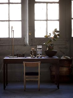 minimalist desk with a few beautiful things. Hans-Blomquist_In-Detail-book_05
