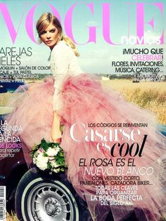 Magazines - The Charmer Pages : Cristina Tosio by Borja Zausen for Vogue Spain Novias October 2013 Magazine Front Cover, Vogue Magazine Covers, Fashion Magazine Cover, Fashion Cover, Vogue Covers, Fashion Shoot, Pink Fashion, Women's Fashion, Magazine Mode