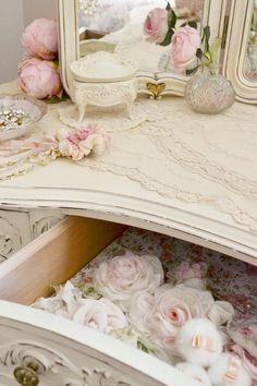 Jennelise ~ A Painted Room