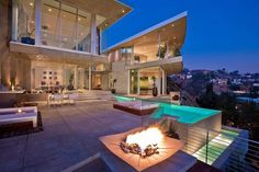 http://www.homes-house.com/amazing-contemporary-home-design-in-la-built-with-beauty-full-wall-glass-decor.html