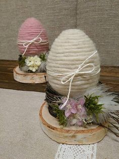 Here& how to recycle wool remnants for Easter! - Here& how to recycle wool remnants for Easter! Egg Crafts, Bunny Crafts, Easter Crafts, Diy And Crafts, Crafts For Kids, Bird Crafts, Spring Crafts, Holiday Crafts, Easter Projects