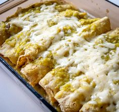 This is a wicked easy recipe for a savory batch of Hatch Green Chile Enchiladas. Be sure to roast those chiles as that is the key! Hatch Recipe, Hatch Green Chili Recipe, Green Chili Recipes, Hatch Chili, Green Chili Chicken, Hatch Green Chiles, Green Chili Enchiladas Chicken, Hatch Chile Salsa, Hatch Peppers