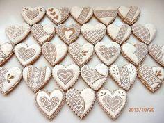 Čipkované srdiečka, z lásky, Inšpirujte sa pri zdobení šikovnými medovnikárkami.