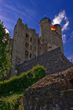 Burg Greifenstein im schönen Licht. Germany