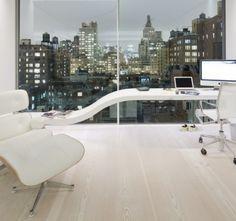 Een bleke vloer kan verkregen worden door die te bleken met WOCA Pre-Colour Wit en af te werken met WOCA Diamond Oil Wit of Extra wit.