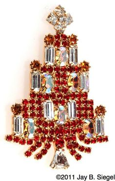 Jeweled Christmas Trees, Christmas Baubles, Xmas Tree, Christmas Themes, Vintage Christmas, Red Rhinestone, Jewelry Tree, Christmas Jewelry, Vintage Brooches