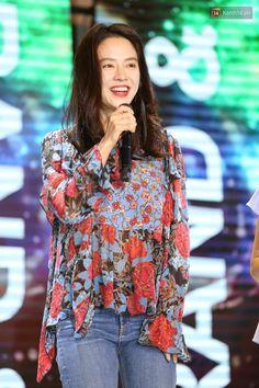 Ji Hyo Running Man, Gal Gadot, True Love, Girlfriends, Ruffle Blouse, Actresses, Songs, Pretty, Ho Chi